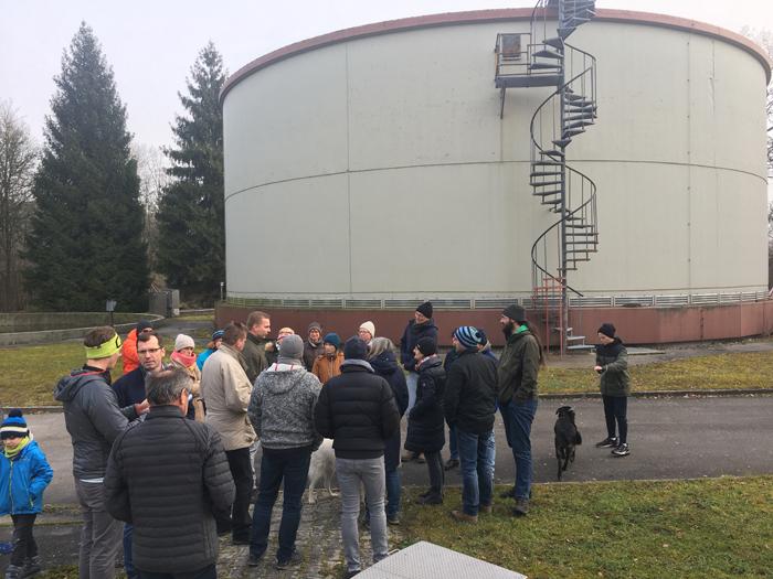 Bürger aus Metten und Berg werden auf Initiative der Grünen/Bündnis90 über den Zustand der Kläranlage in Metten informiert